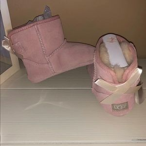 NEW UGG boots 12-18 months